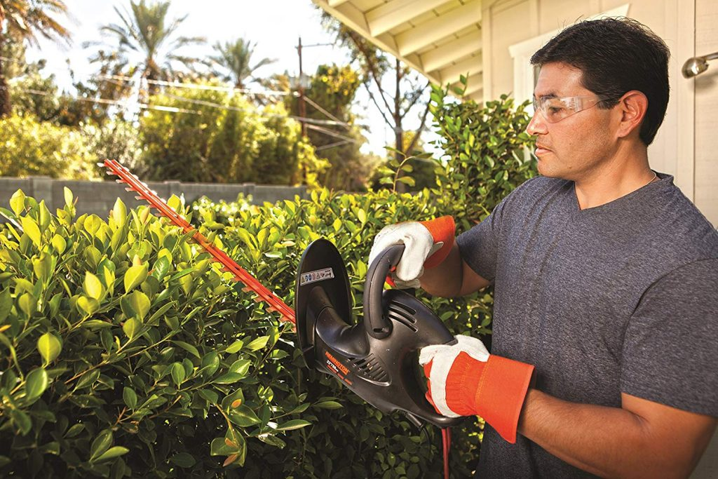 6 Best Electric Hedge Trimmers - Work Is Done Even Faster