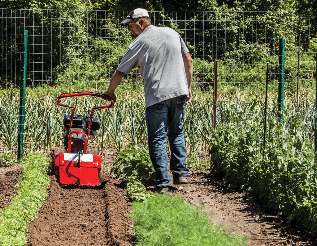 5 Best Rear Tine Tillers - Reviews and Buying Guide