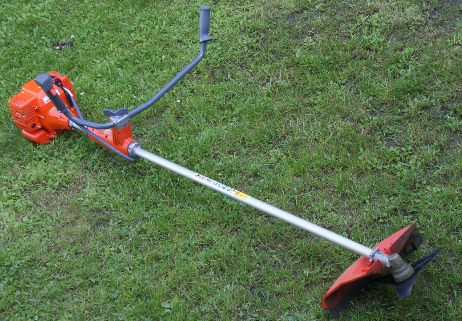 5 Best Brush Cutters - Great Addition to Your String Trimmer