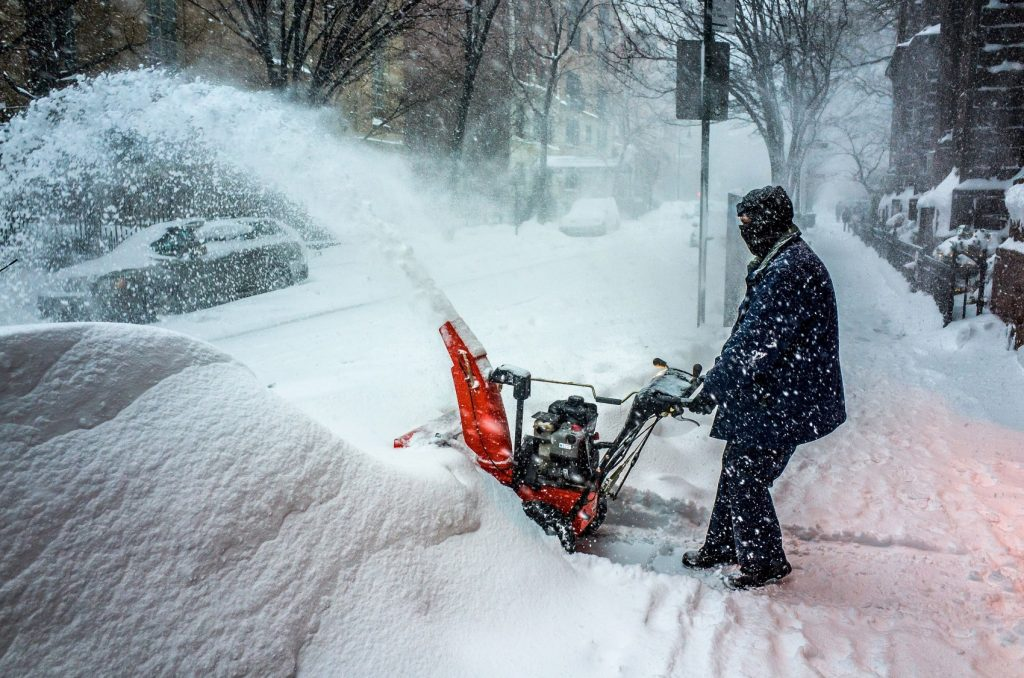 12 Best Snow Blowers - Clear Large Amounts of Snow in a Fast and Effective Way!