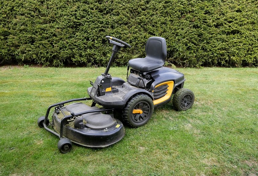 5 Best Lawn Mowers for Large Yards to Satisfy All Grass Cutting Needs