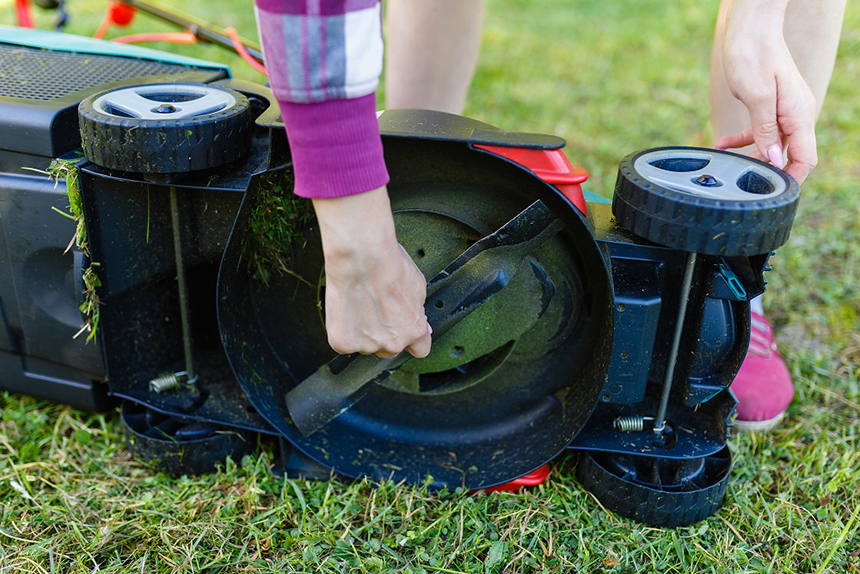10 Best Lawn Mower Blades – Affordable and Long-Lasting Replacement!