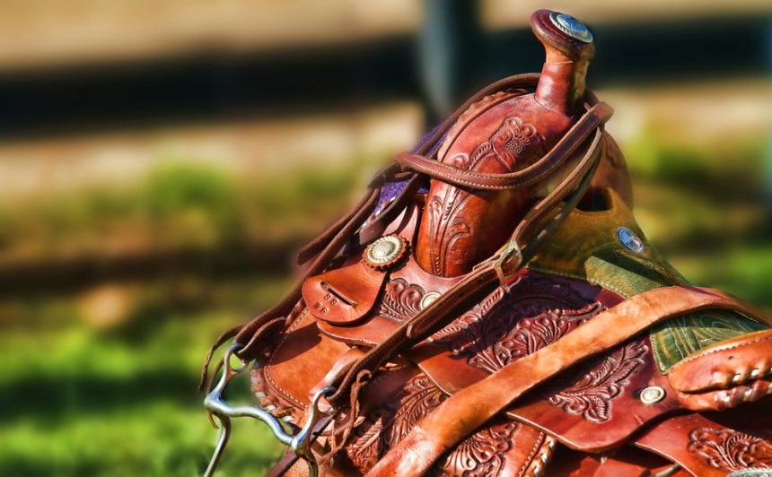 8 Best Western Saddles - Riding in the Old West Style