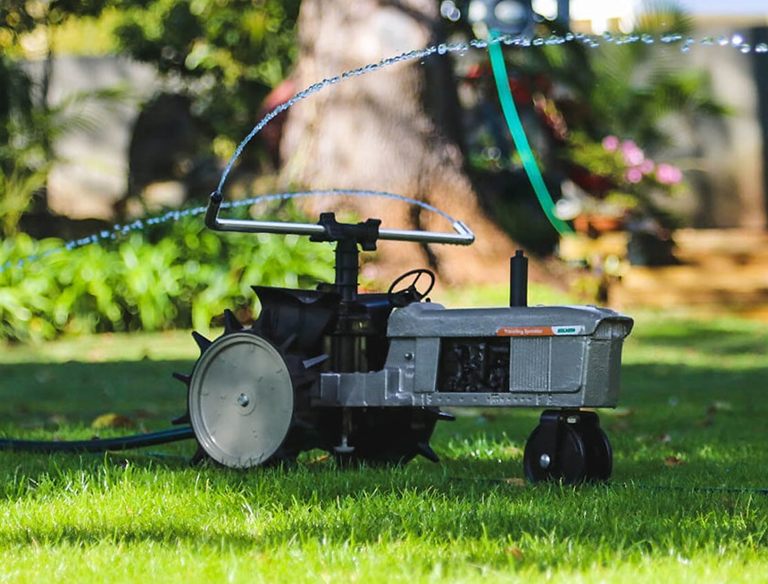 4 Best Traveling Sprinklers to Water Every Corner of Your Lawn
