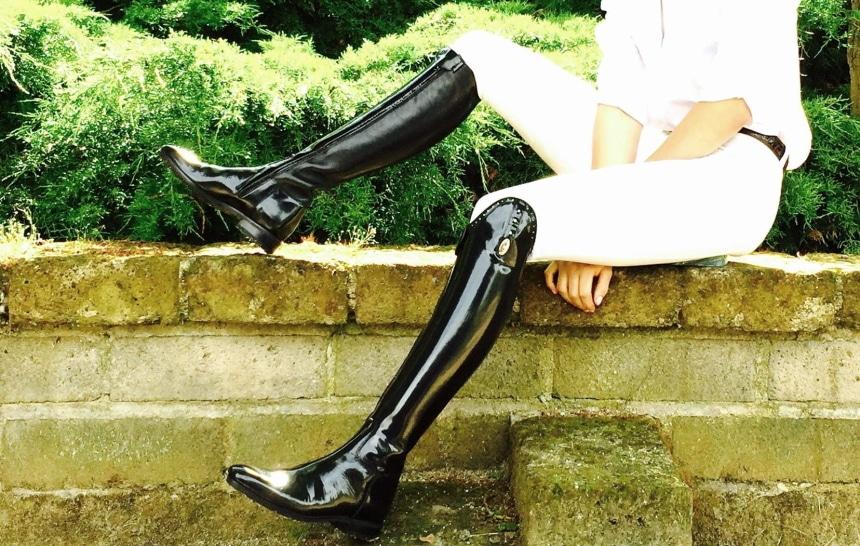 8 Best Dressage Boots – Proper Equipment to Enjoy Horseriding!