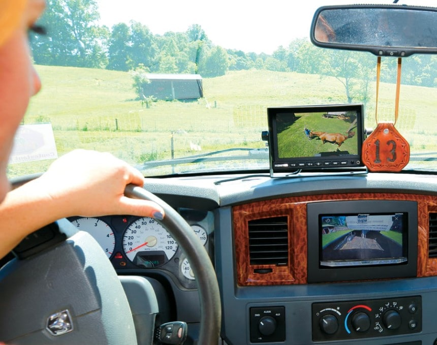 6 Best Horse Trailer Cameras – Ensure Safety of Your Horses!