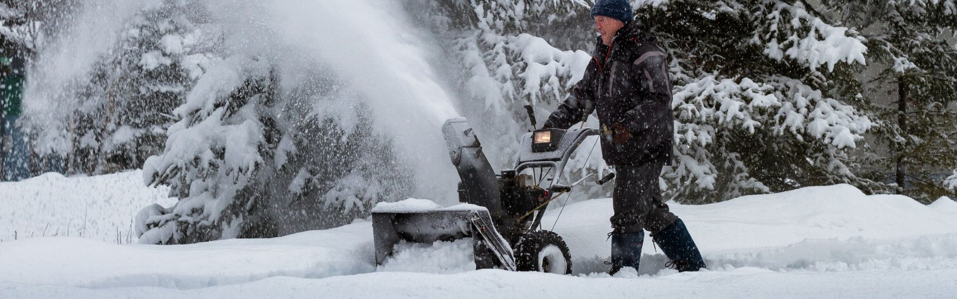 10 Best Snowblowers for Wet Snow – Get Your Problems Out Of The Way