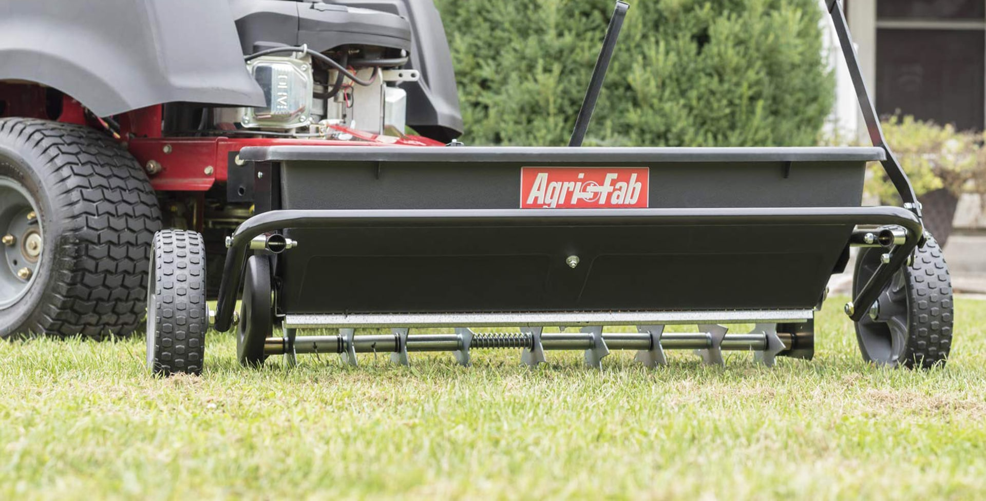 5 Best Drop Spreaders – Cover More Land in Less Time!