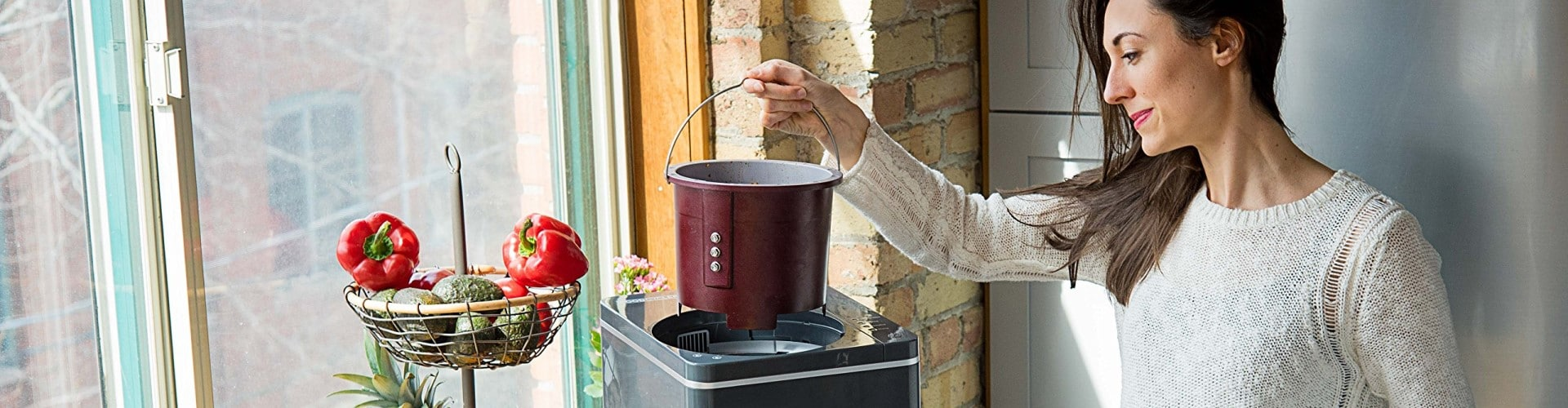 10 Best Kitchen Compost Bins – Make Better Use of Your Food Waste!