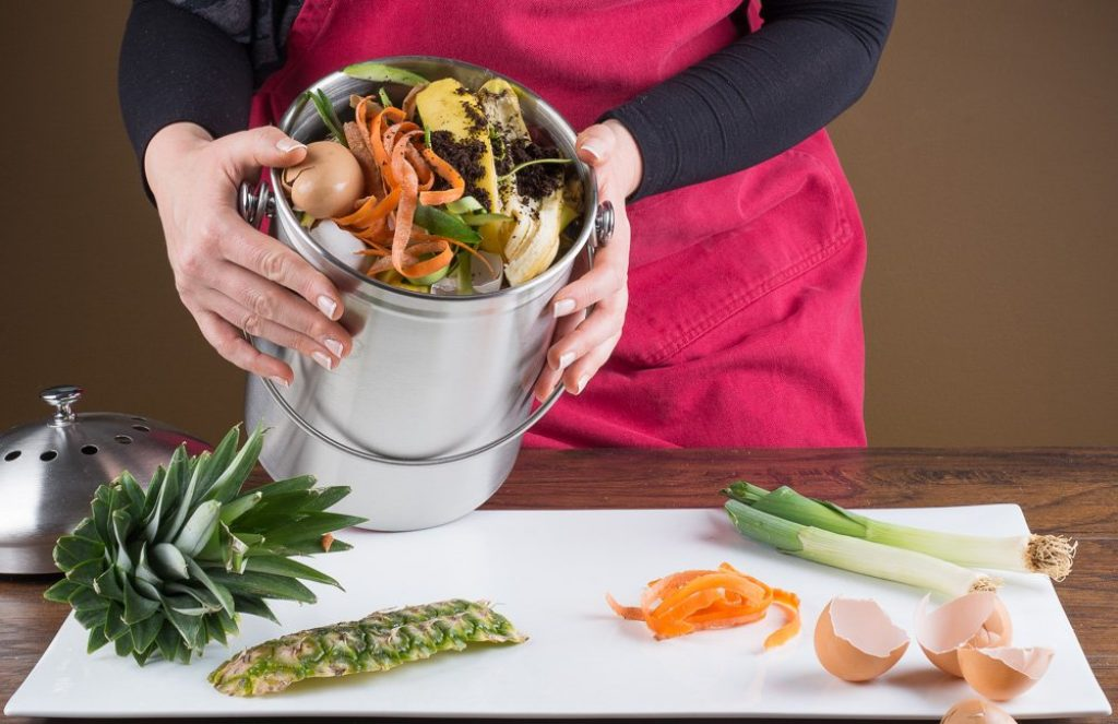 10 Best Kitchen Compost Bins - Make Better Use of Your Food Waste!