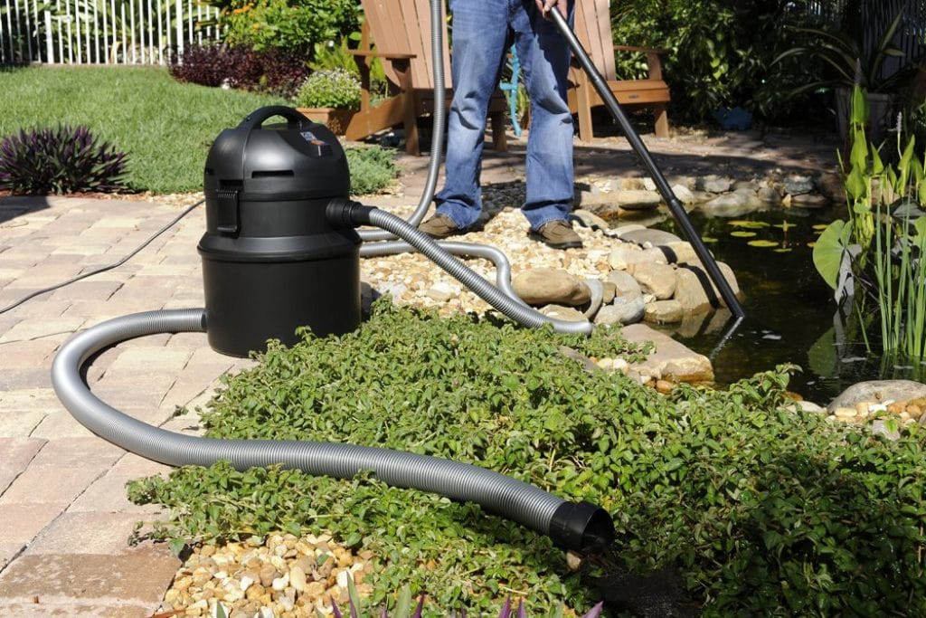 6 Best Pond Vacuums - Clean Water In No Time!