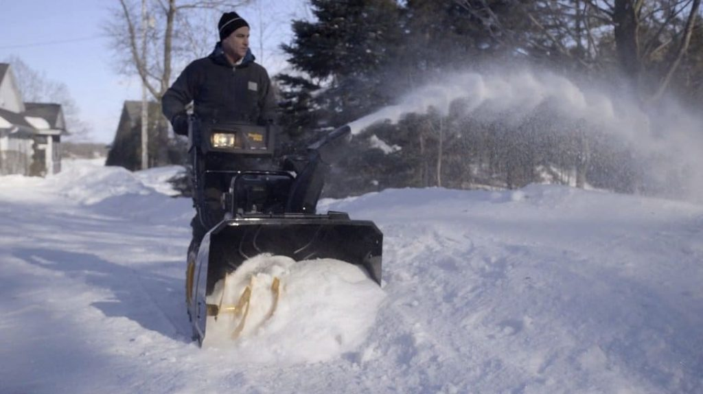 10 Best Cordless Snow Blowers - No More Outlets