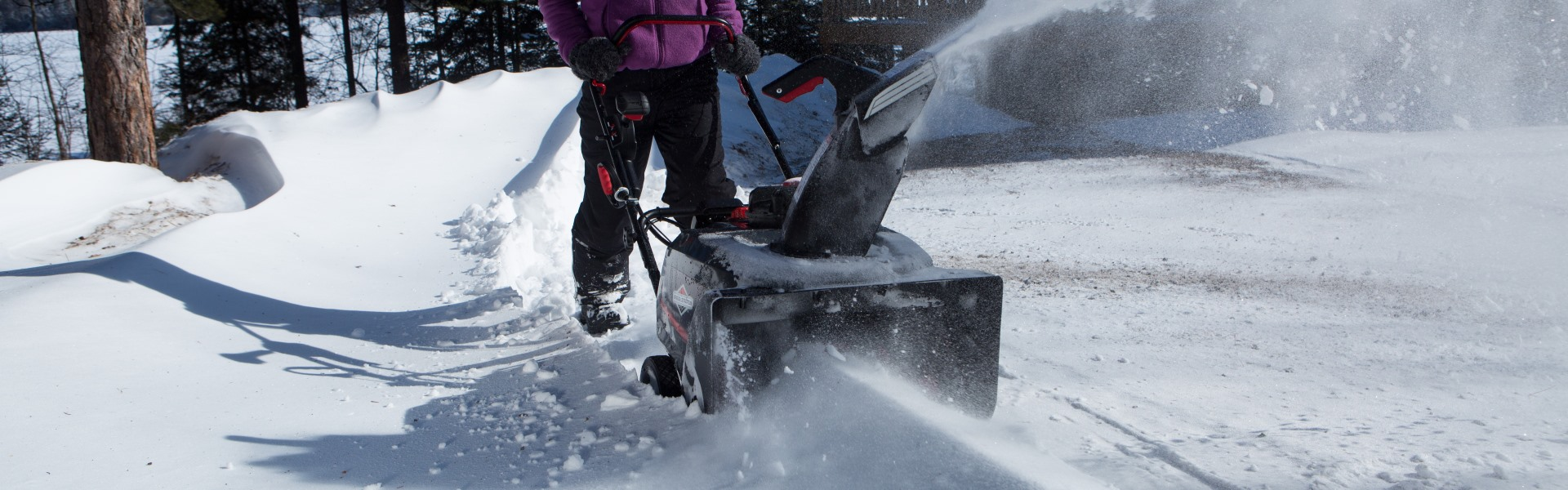Top 5 Briggs and Stratton Snowblowers – Make Snow Clearing Task a Breeze!