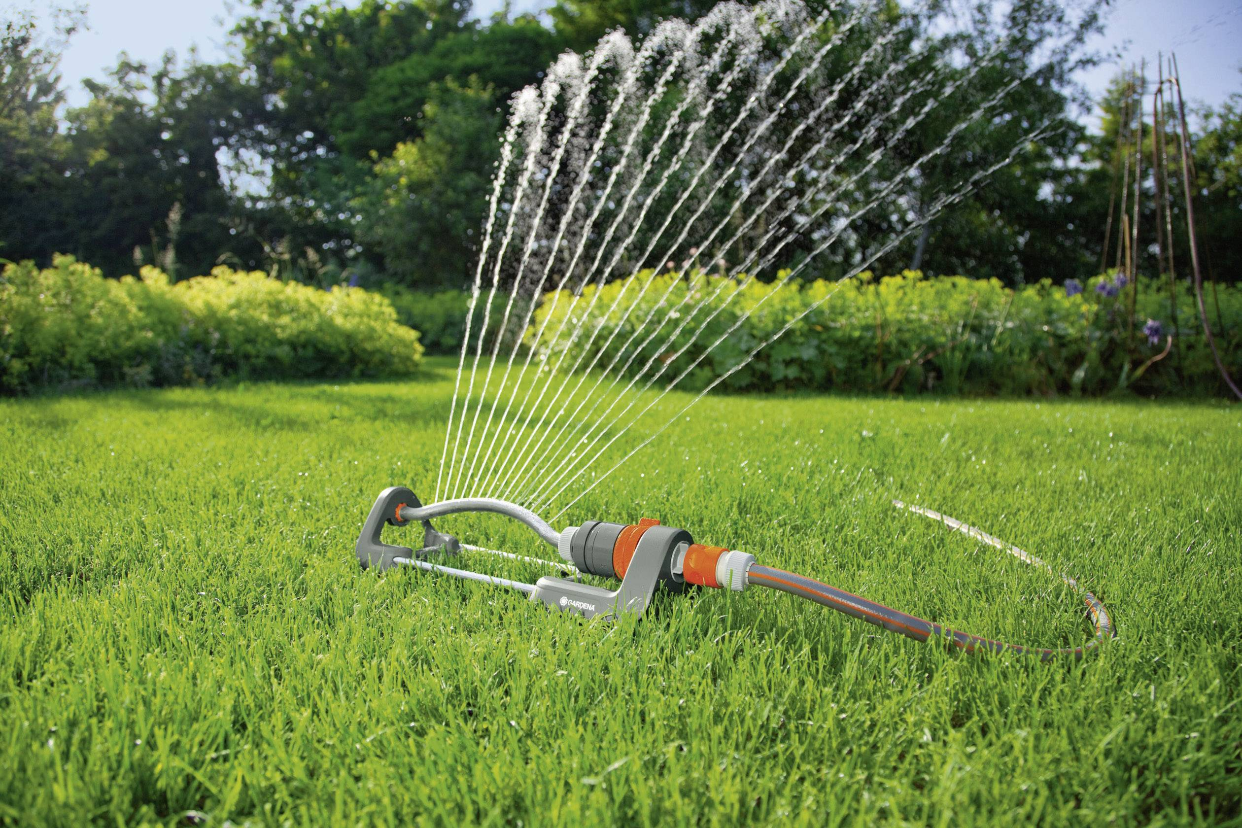 10 Best Lawn Sprinklers to Help Your Lawn Look Fresh