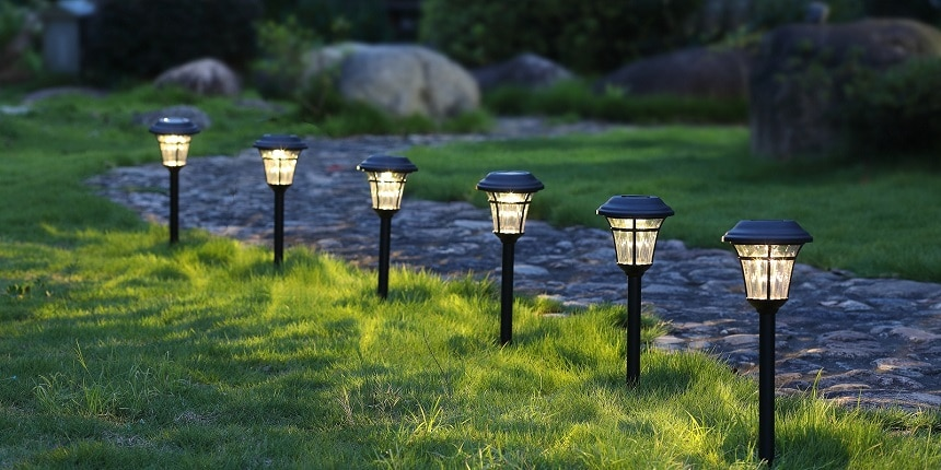8 Best Landscape Lighting Kits - Great Enhancement to Your Garden's Appearance!