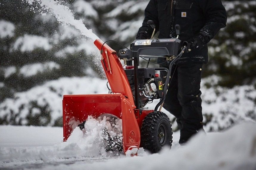7 Best 24-Inch Snow Blowers - Easy to Use and Maneuver!