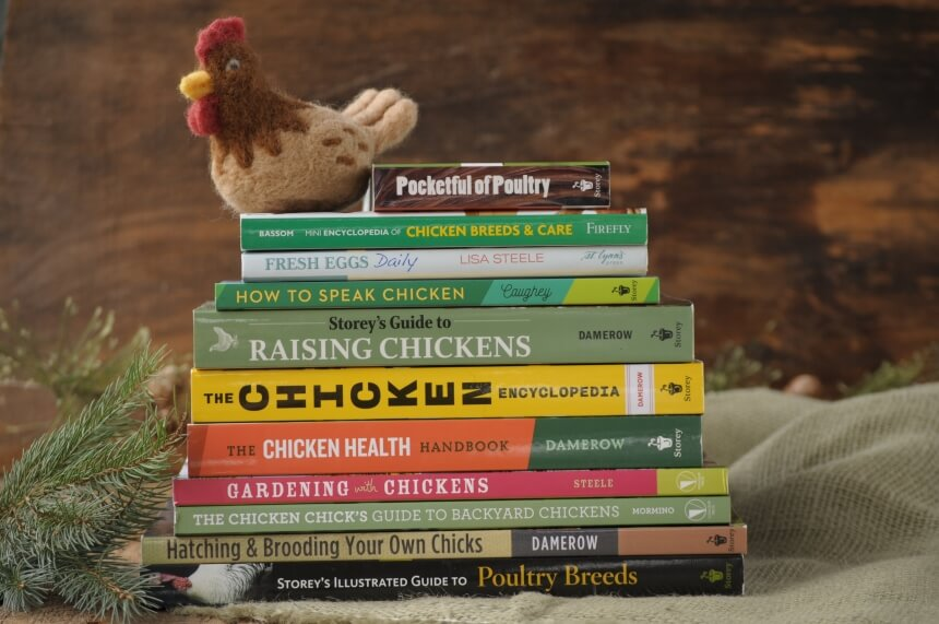 8 Excellent Books for Raising Chickens Suitable for Beginners and Serious Farmers