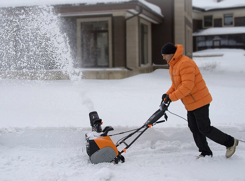 Electric vs Gas Snowblower Comparison: Which One to Choose?