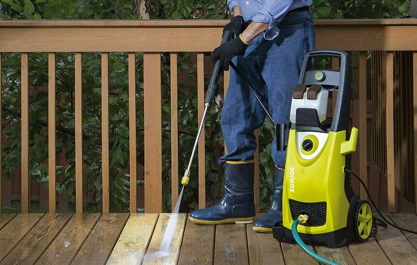 How to Get Rid of Moss on Patio: Three Most Common Ways
