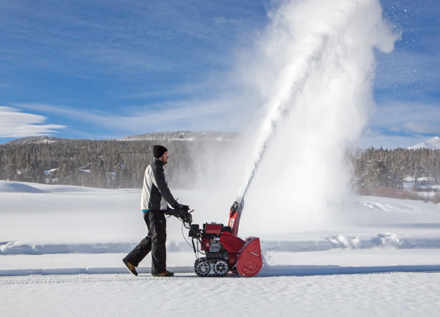 The Difference Between a Snowplow and a Snowblower and When to Use Each