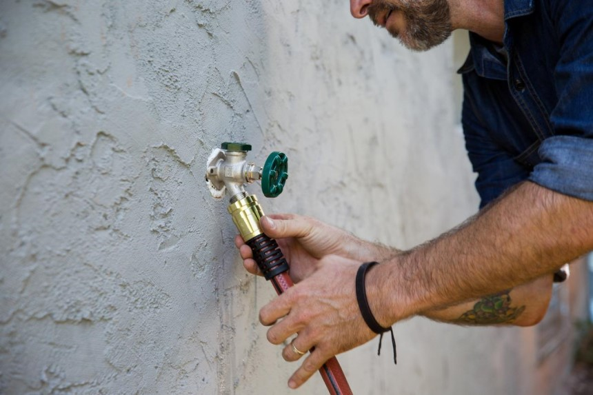 How to Remove Garden Hose Connector in 6 Quick Steps