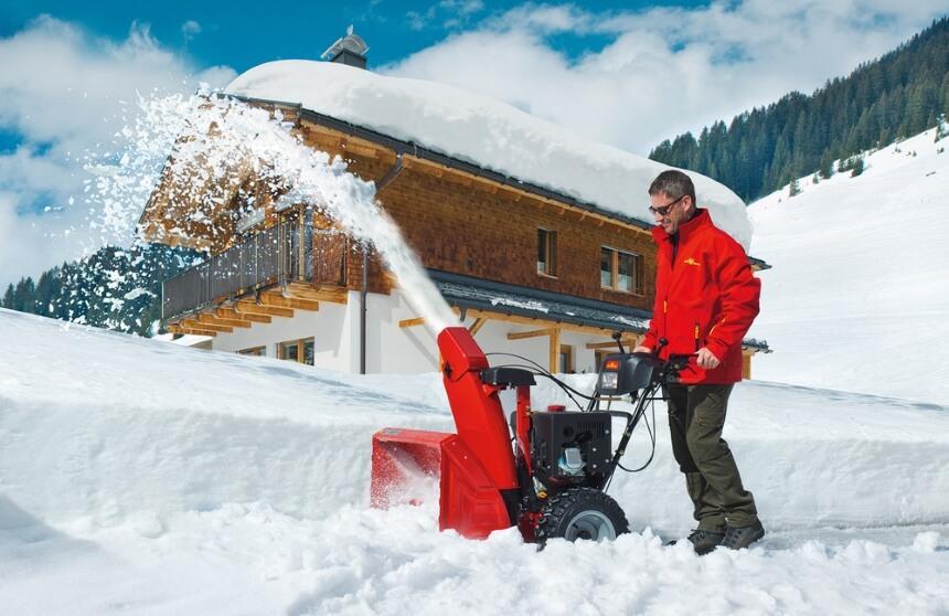 Snow Blower vs Shovel: What to Choose?