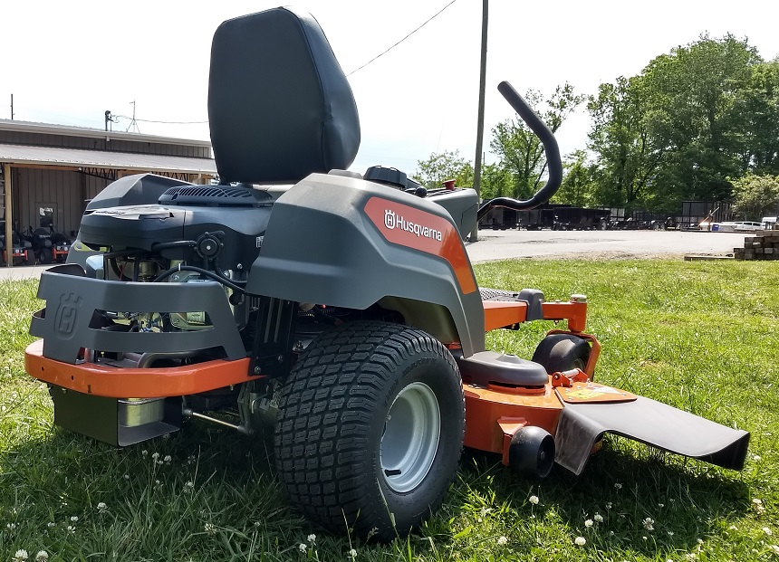 5 Best Riding Lawn Mowers for Hills that Will Conquer Any Terrain